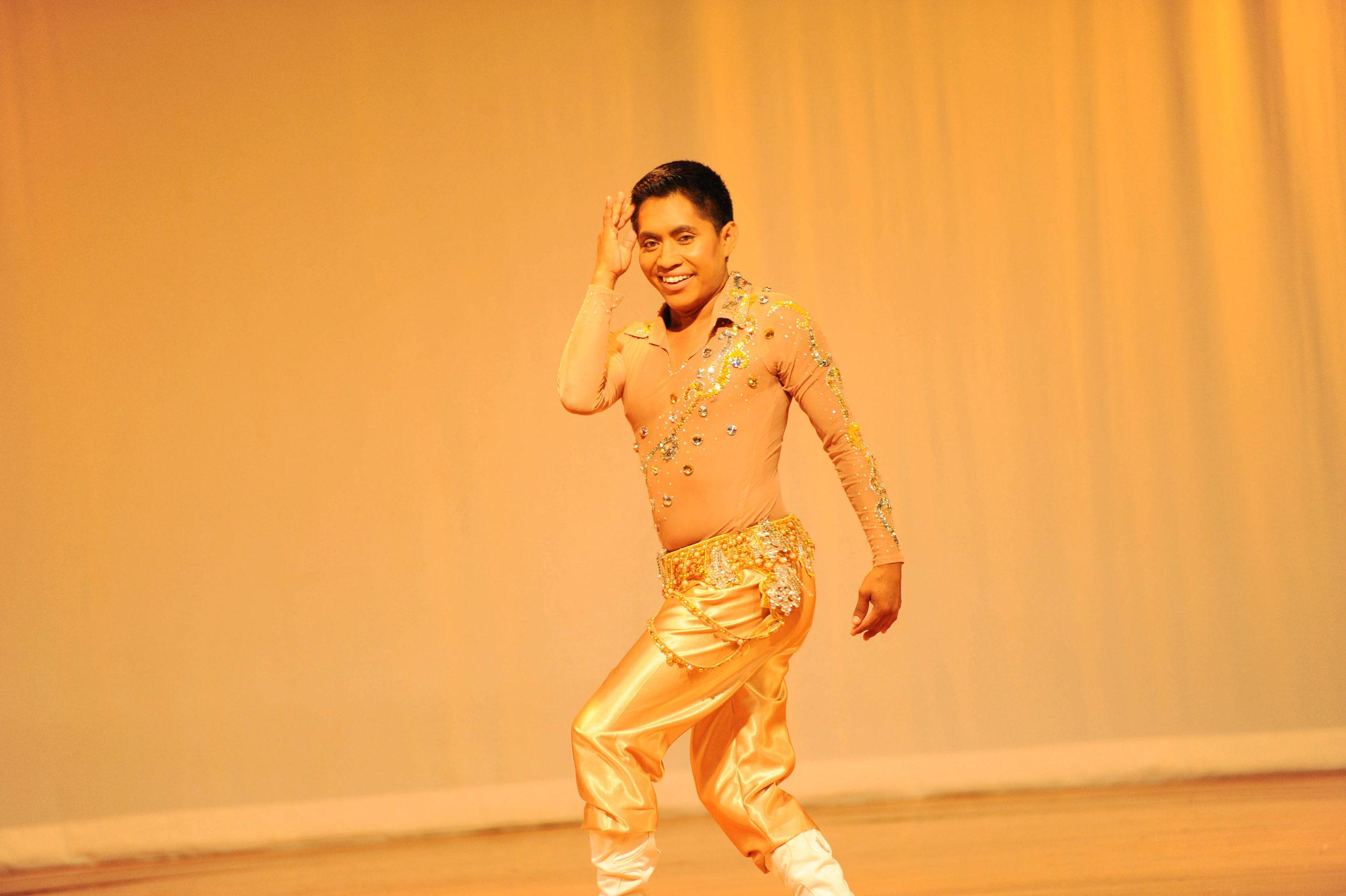 Andrus Ramir performing at Arabia: A Journey Through Dance