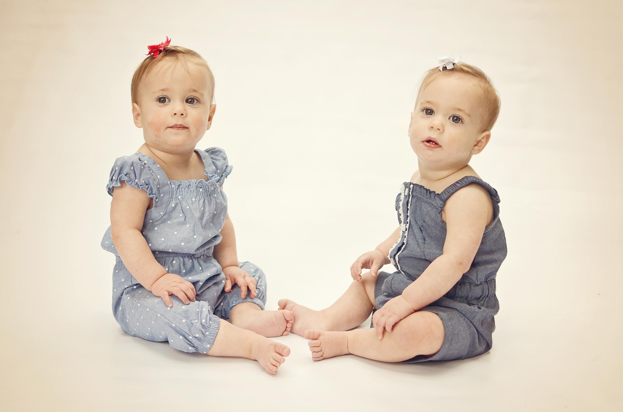 Twins 1yr-74.jpg
