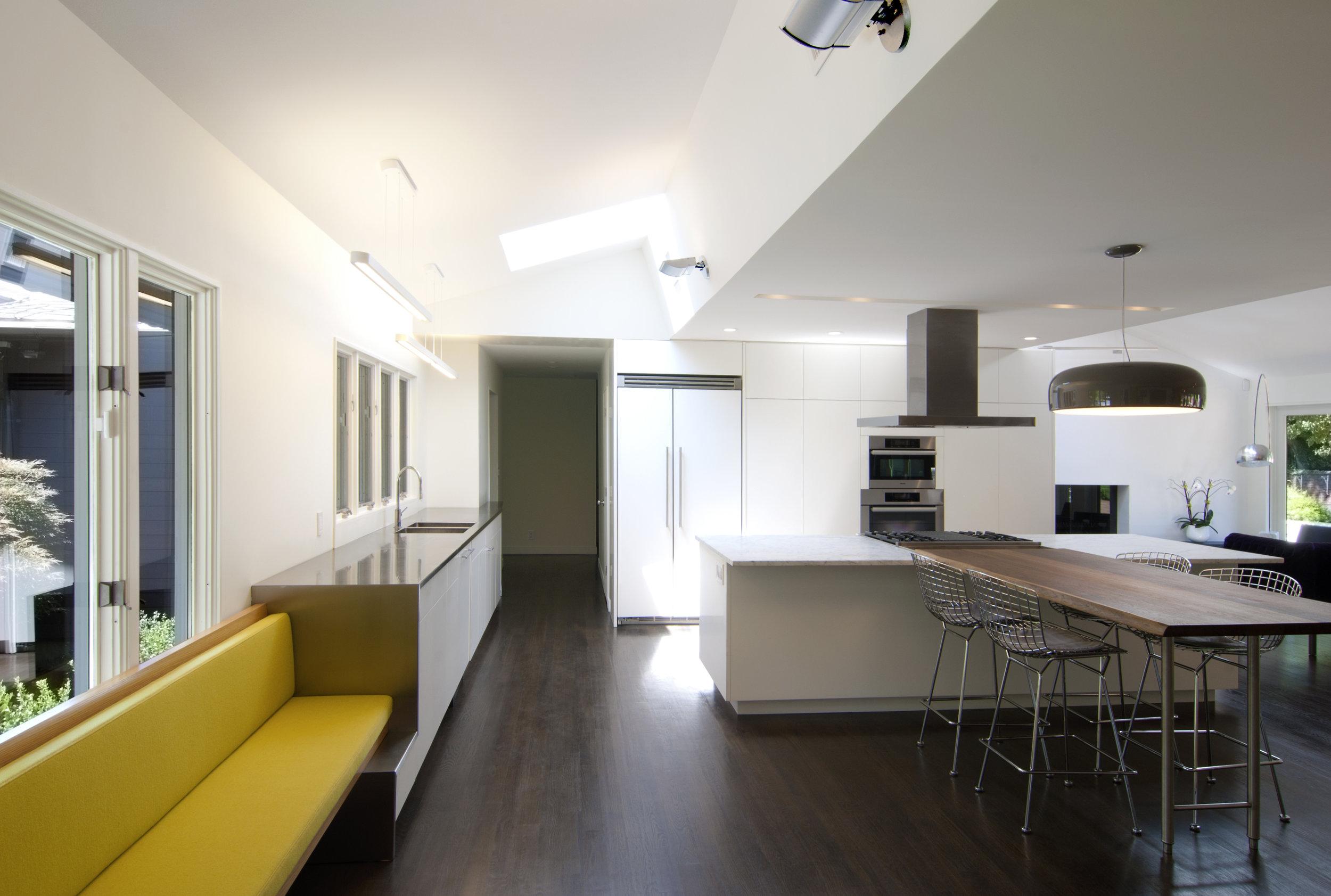 03_Kitchen_Bench.jpg