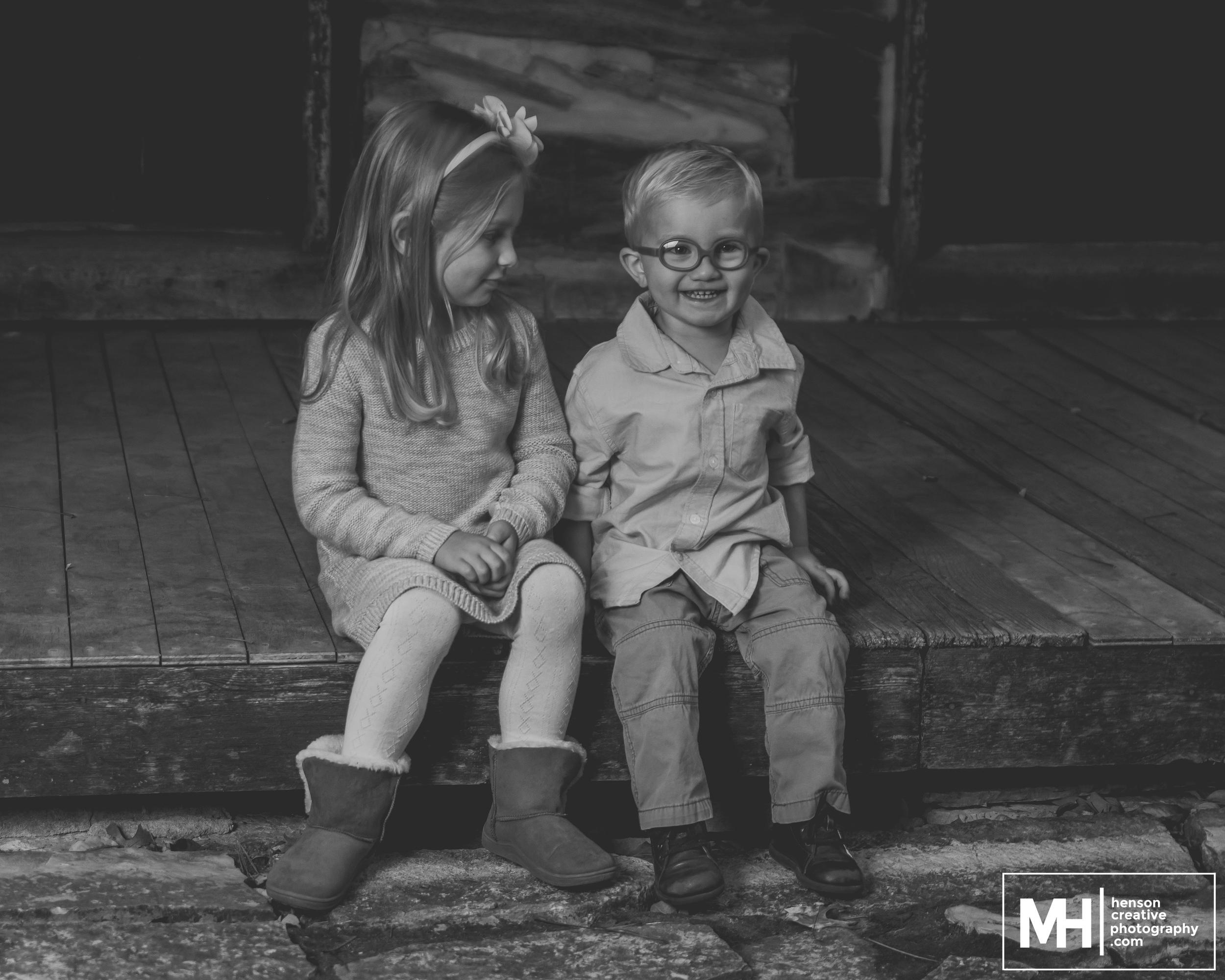 Adam & Emily - Minis(Web)-16.jpg