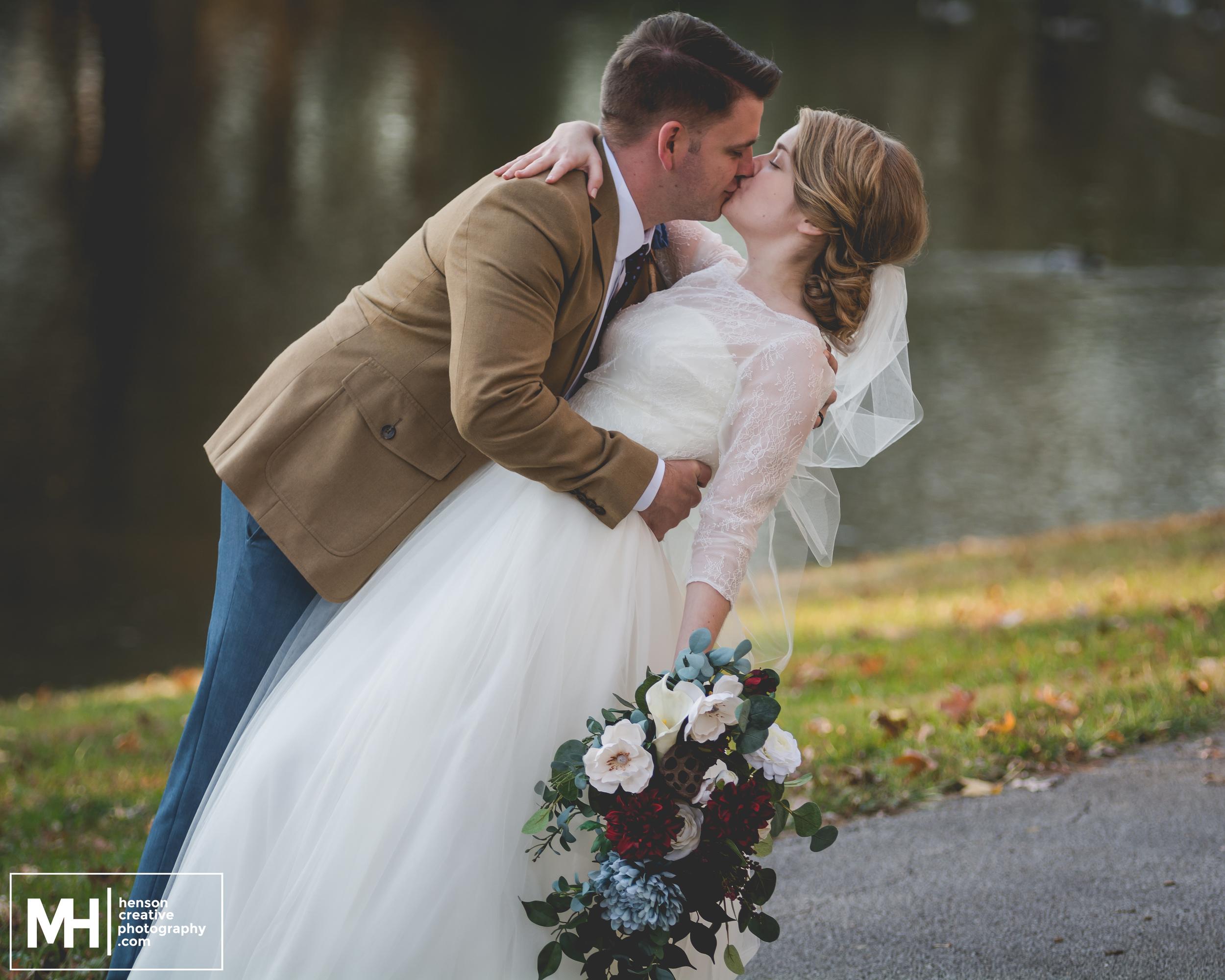 MooreWeddingWeb - Henson Creative - St. Louis Wedding Photographer-8.jpg