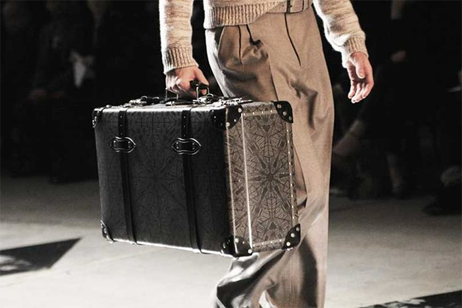 MJ Group, print designer images for the famous British brand Globe-Trotter. The suitcases were part of the Hardy Amies fashion show in Florence.