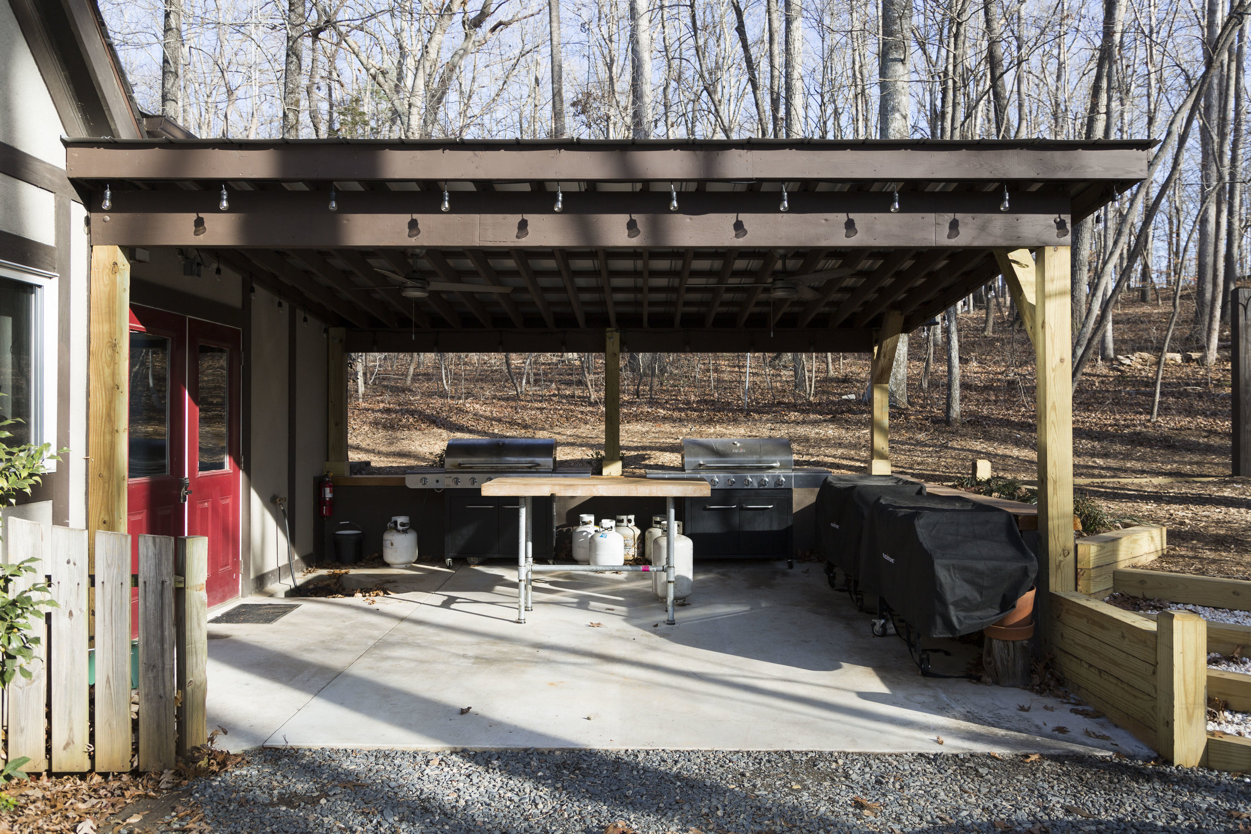 grill shed_1.JPG