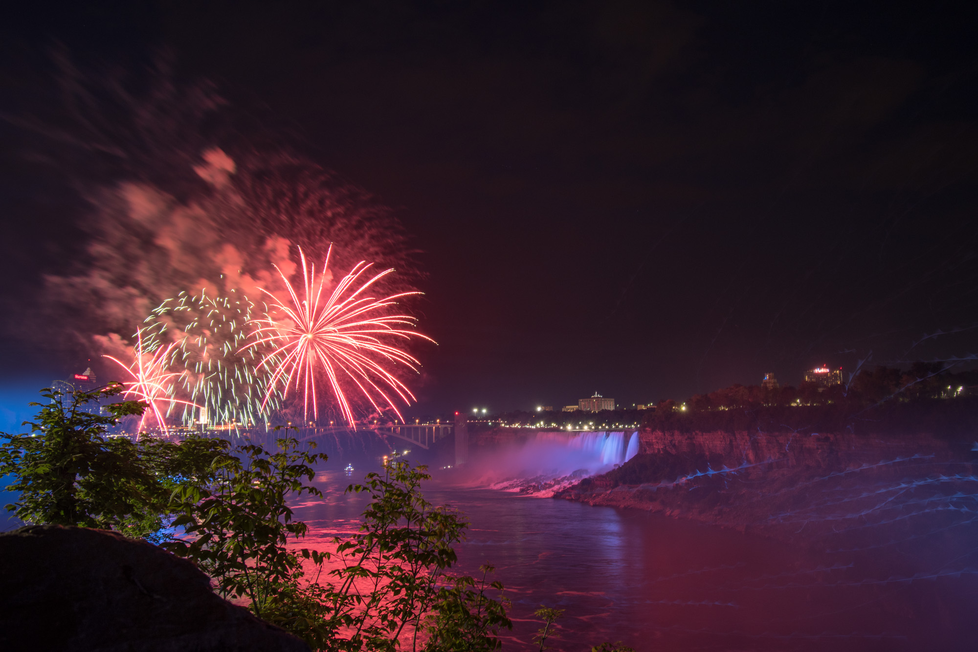 Fireworks at the Falls_0025.jpg