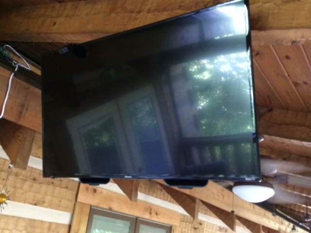 They blend right in to the TV ( ACTUAL customer photo) (A.C.P.)