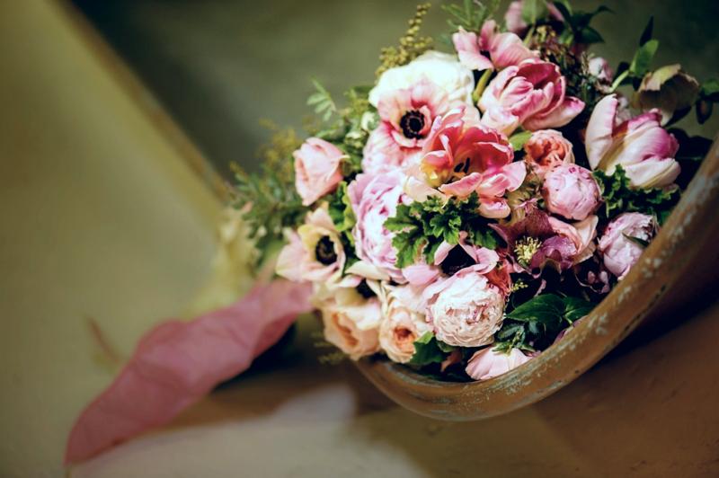 Pink floral arrangement- Courtenay Lambert Florals www.courtenaylambert.com- cincinnati wedding florist, best cincinnati wedding florist, destination wedding, courtenay lambert florist, best cincinnati florist, cincinnati wedding florist, cincinnati florals, bouquets