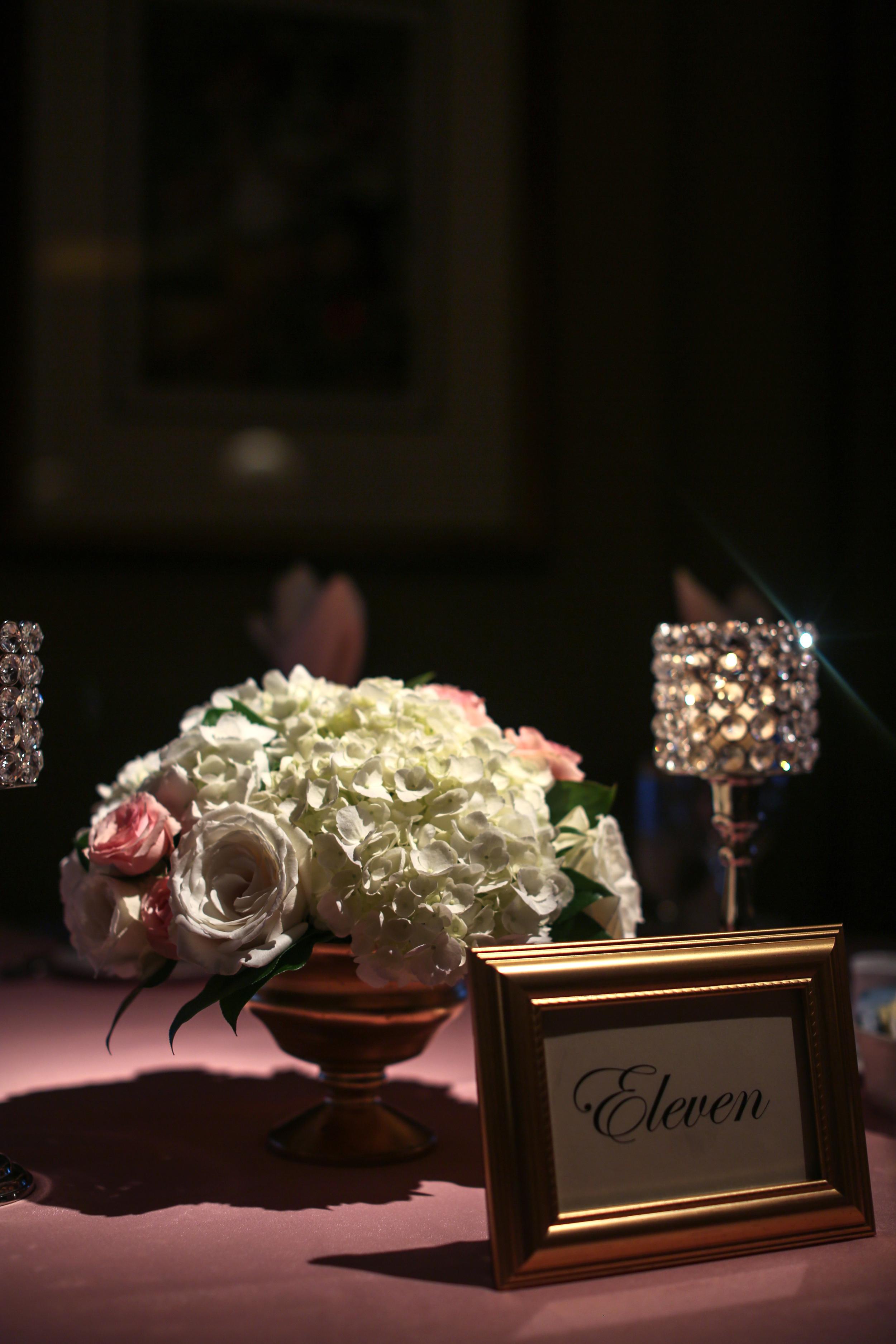 Wedding at Kenwood Country Club by Courtenay Lambert Florals (http://courtenaylambert.com).  Cincinnati Wedding flowers, destination wedding, florist, best florist, best flowers