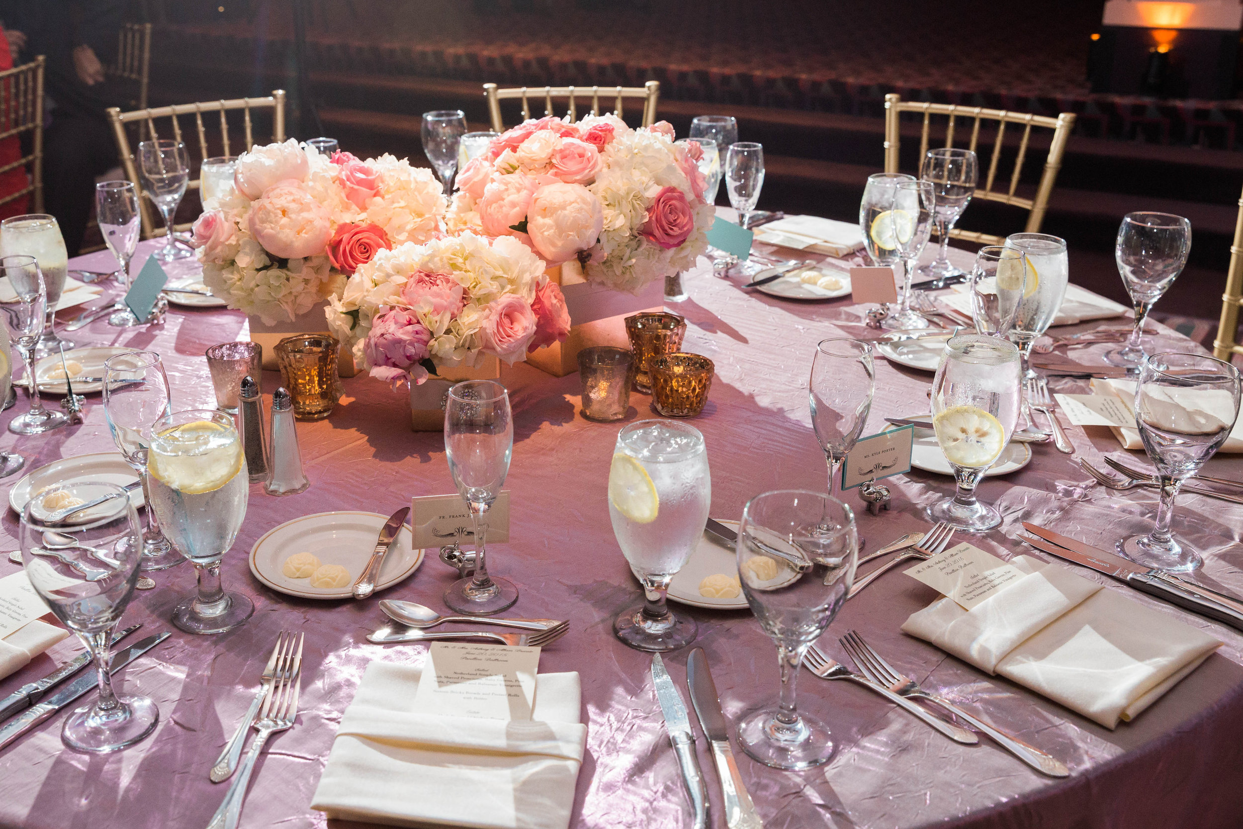 Cincinnati Wedding Flowers, Courtenay Lambert Florals, Hilton Netherland Plaza Weddings, Leah Barry Photography