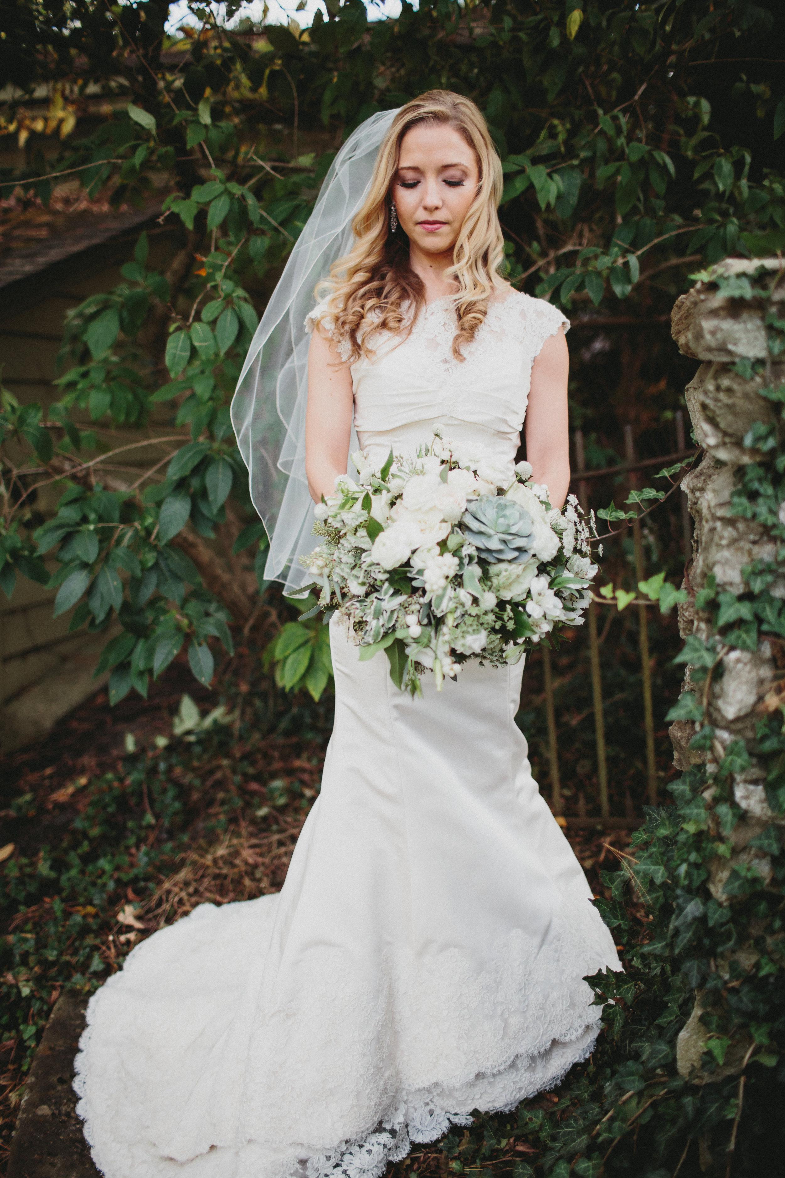 Cincinnati Weddings, Courtenay Lambert Florals - The Carrs Photography