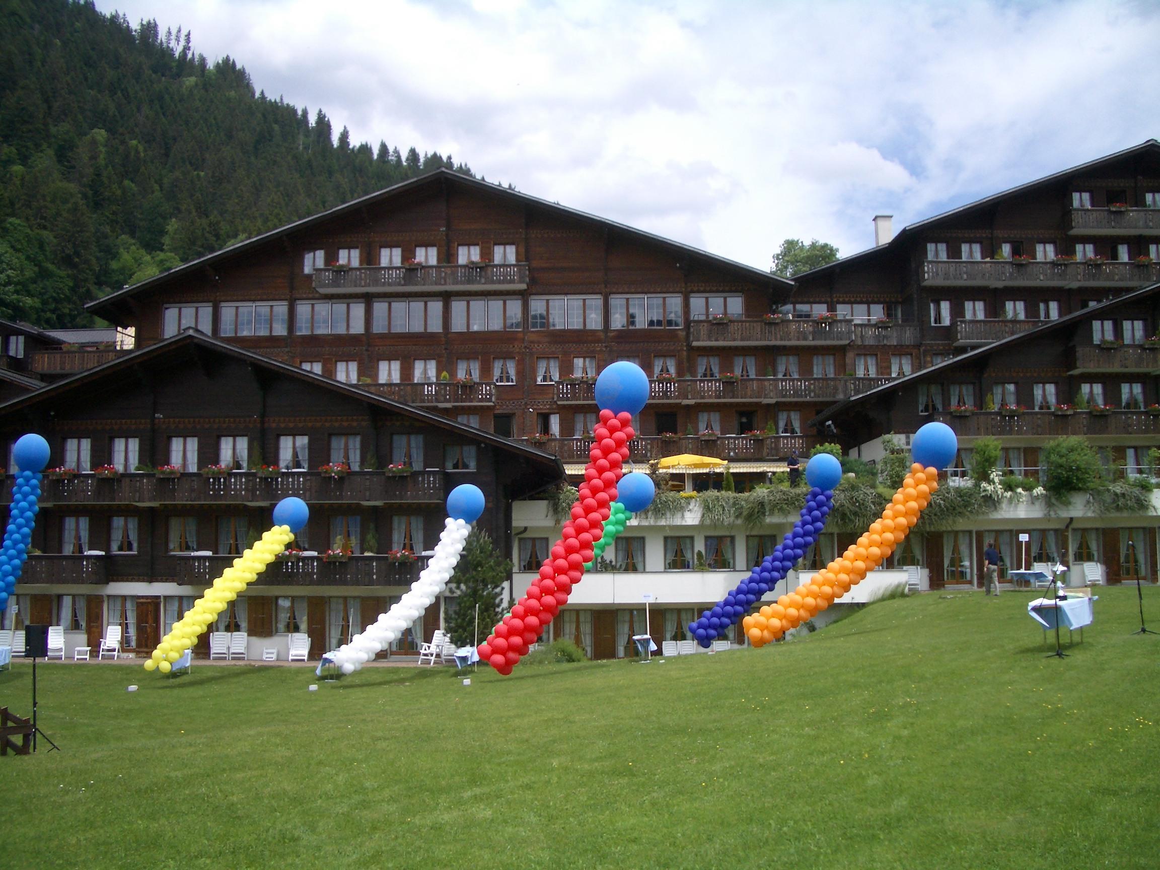 Ballonsäulen Gstaad.jpg