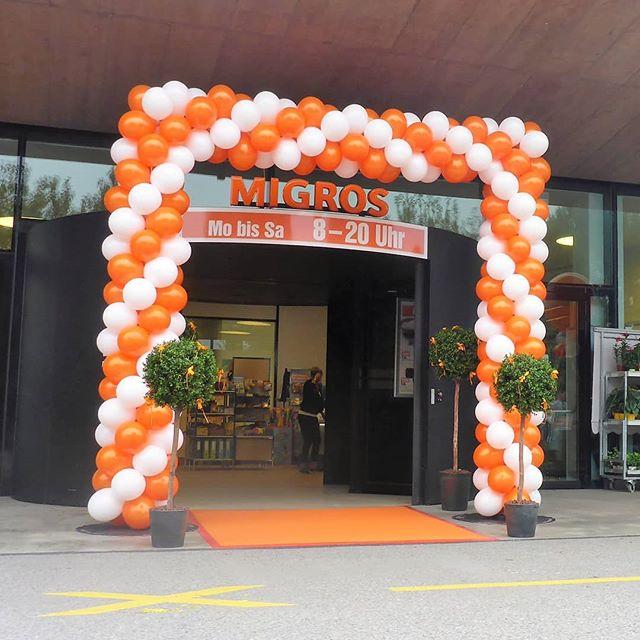 #migros #eröffnung #ballonbogen #orange #weiss #deko #ballon #ballonbox #ballonboxag