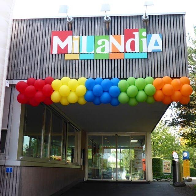 #GMZH #Milandia #Greifensee #ballonkette #strassenlaterne #rot #gelb #blau #grün #orange #bunt #deko #ballon #ballonbox #ballonboxag