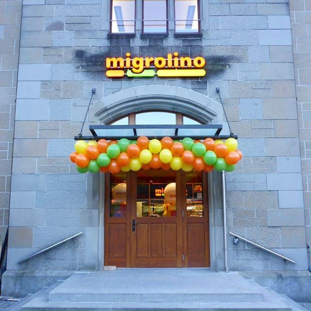 #migrolino #ballongirlande #girlande #eingangsdeko #ballonsäule #säule #orange #grün #gelb #bunt #bedruckteballone #bedruckt #ballon #deko #ballonbox #ballonboxag