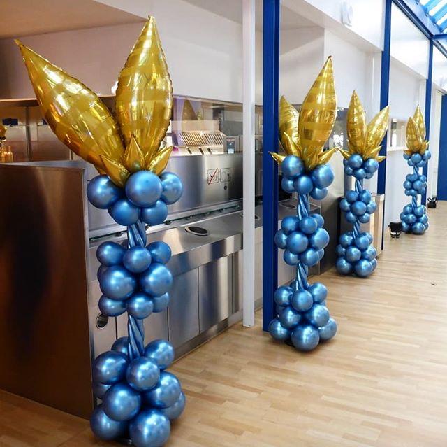 #laroche #kaiseraugst #weihnachtsessen #säule #ballonsäule #kronleuchter #ballonkronleuchter #chrom #chromballon #ballon #folienballon #deko #ballonbox #ballonboxag