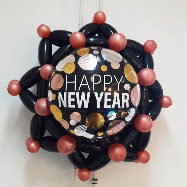 #happynewyear #2019 #frohesneus #ballongebilde #deko #folienballon #roségold #schwarz #ballon #ballonbox #ballonboxag