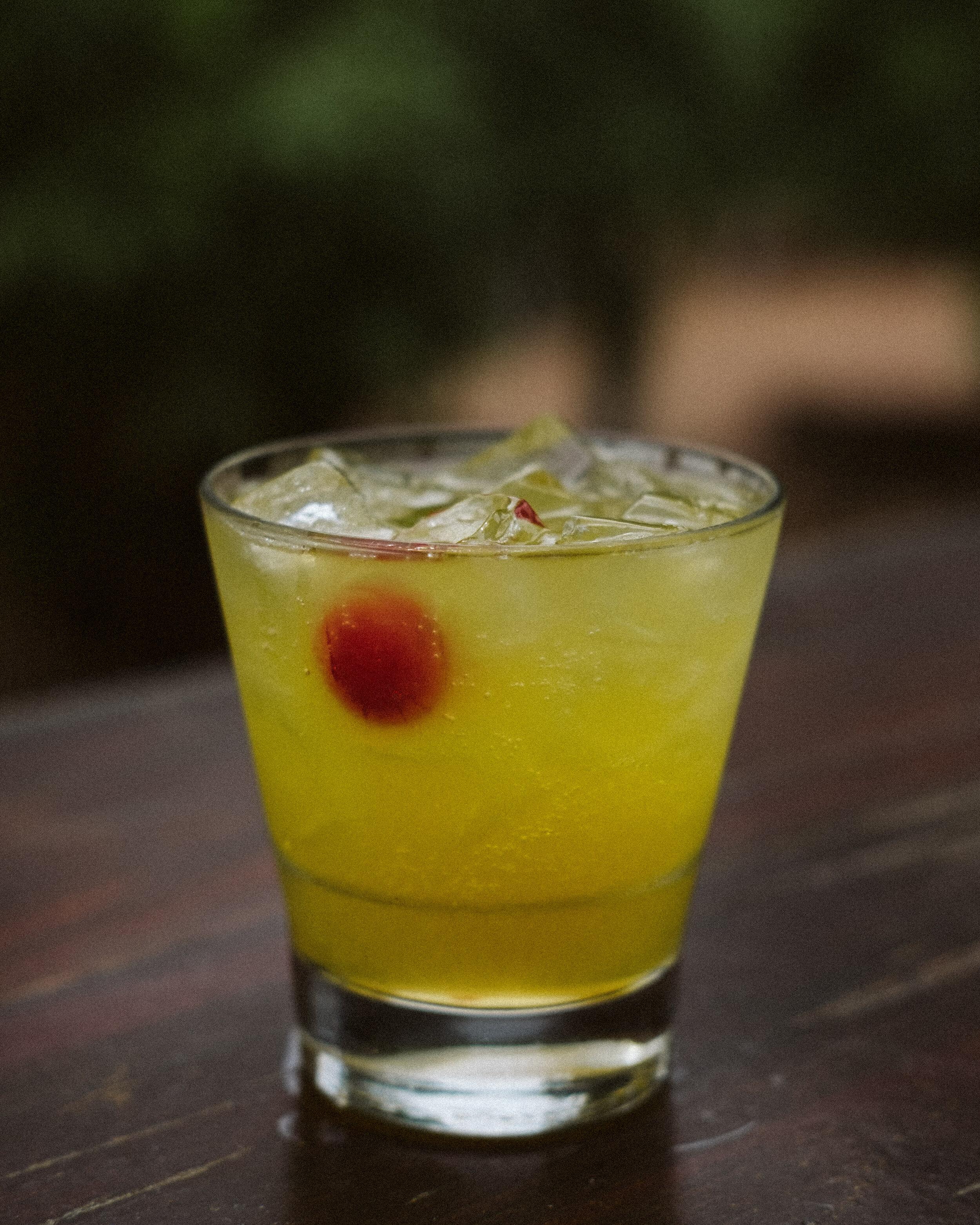 Lu-sexy - Evan Williams Cherry Bourbon / Kombucha / Ginger Beer