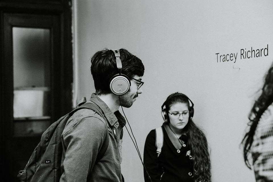 Jordan Barnes / Sasha Leger / Mylène Michaud Surette N'importe qui peut jouer de la guitare Salle Sans Sous
