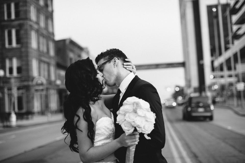 Ely-Brothers-Wedding-Photographers-Columbus-Ohio-_0064.jpg