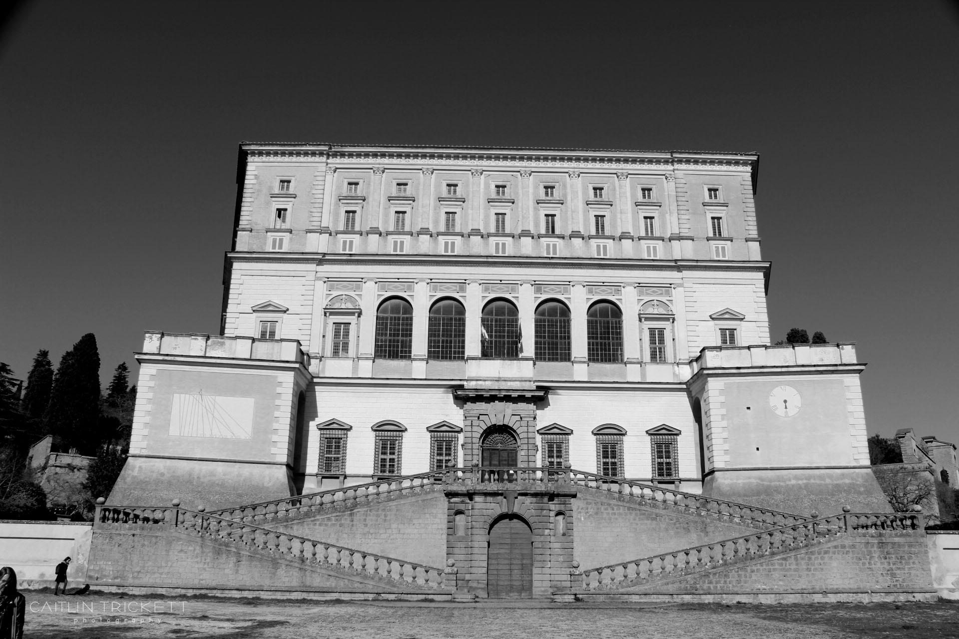 ^ Villa Farnese
