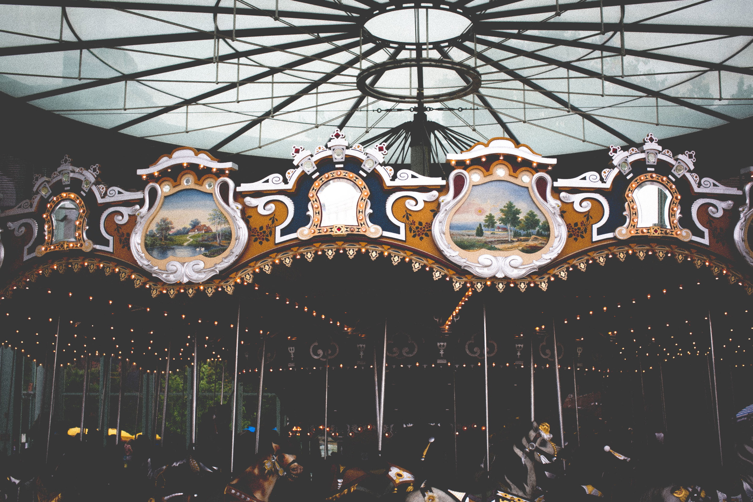 Jane's Carousel + Jean Nouvel Pavilion