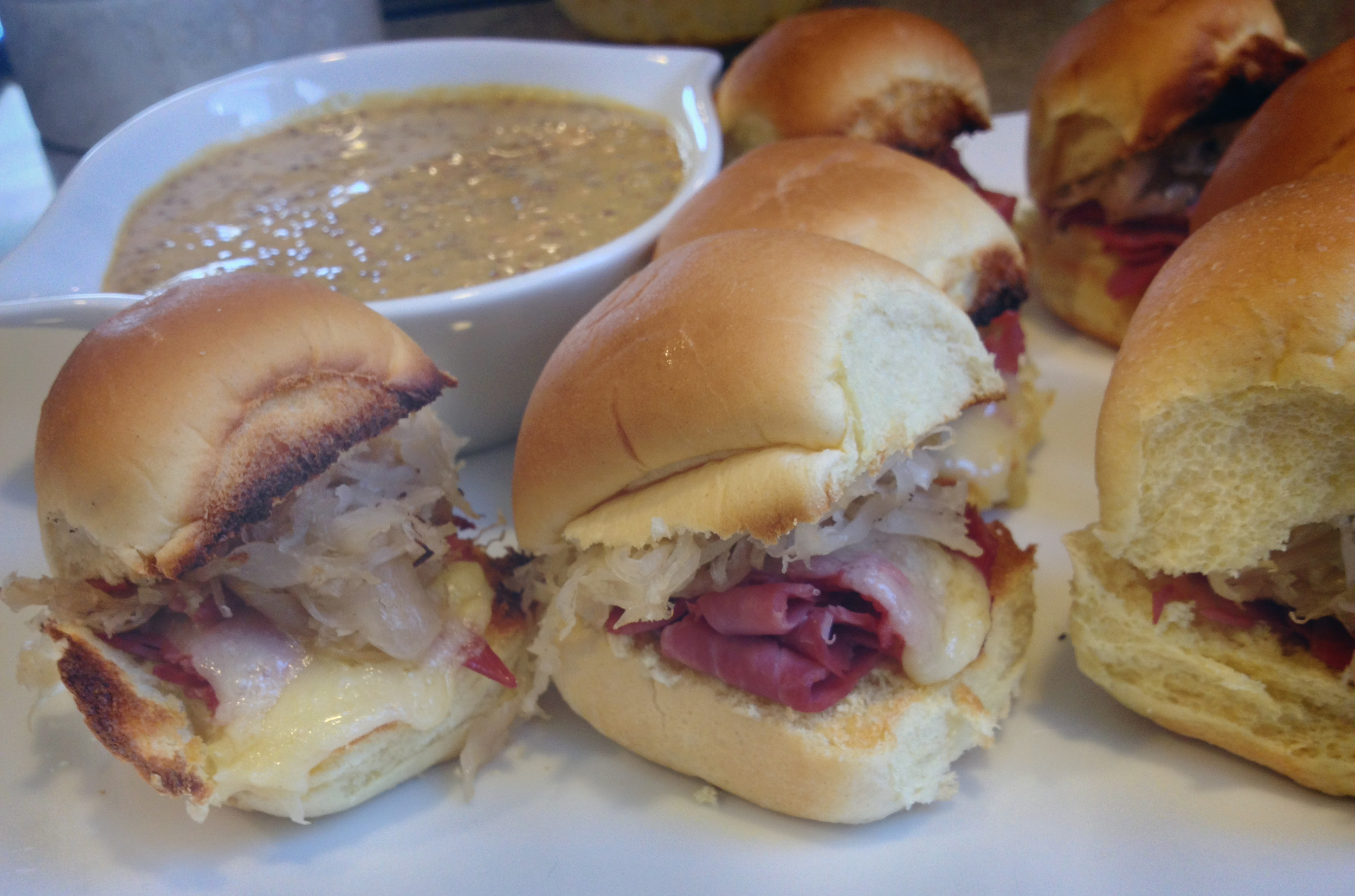 St Patrick's Day Corned Beef Sliders with Guinness Mustard Dipping Sauce | SavoryPantryBlog.com