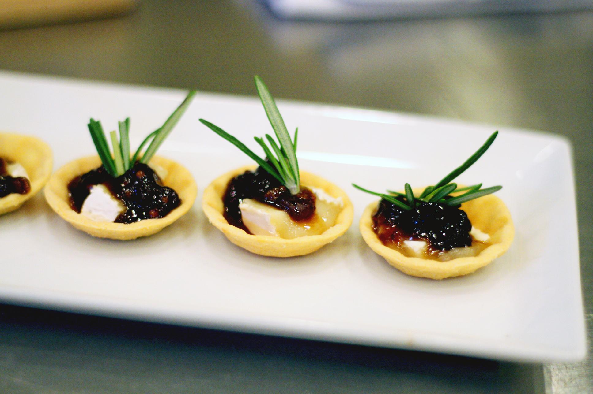 Savory Brie Pastry Bites | SavoryPantryBlog.com #PastryShells #BiteSized