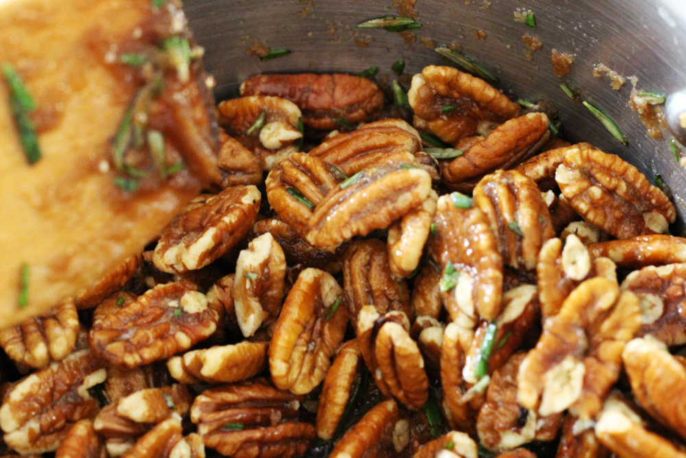 Recipe: Brown Sugar + Brown Butter Derby Pecans | SavoryPantryBlog.com