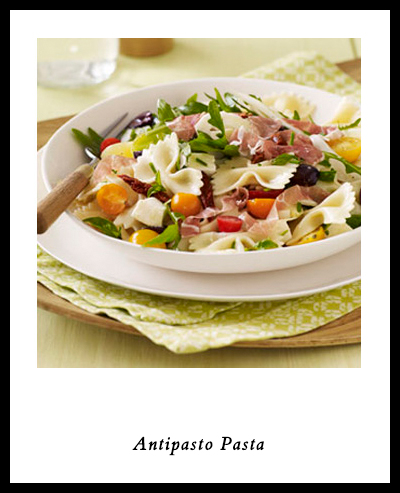 How to Pack a Romantic Picnic for Two | Antipasto Pasta | SavoryPantryBlog.com