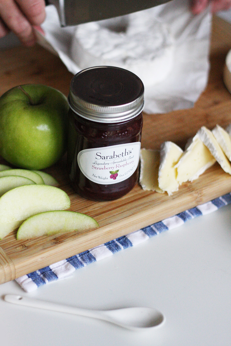 Apple & Brie Sandwiches with Strawberry, Raspberry Fruit Spread | SavoryPantryBlog.com