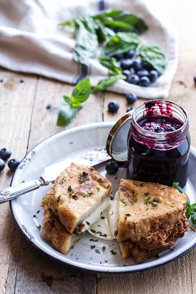 Roundup: Jam Sandwiches | Mozzarella in Carrozza (Fried Mozzarella Sandwich) w/Blueberry Balsamic Jam | SavoryPantryBlog.com