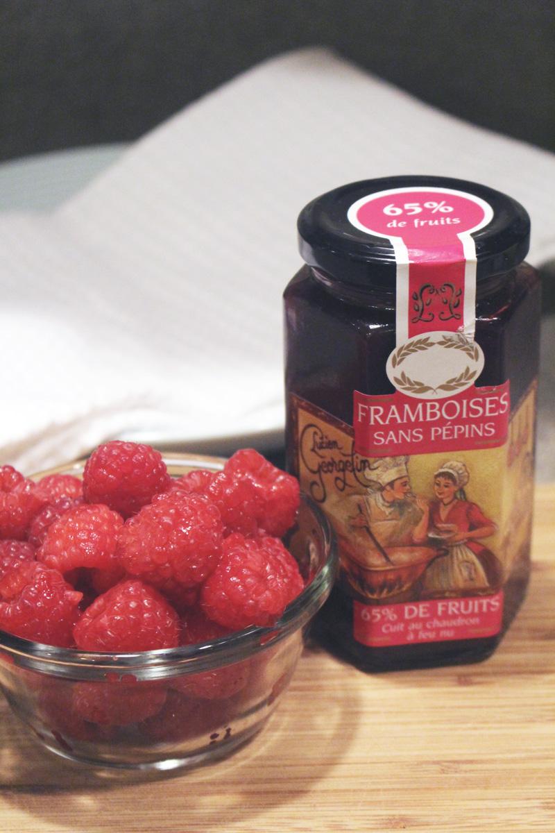 Recipe: Homemade Raspberry Poptarts | SavoryPantryBlog.com #poptart