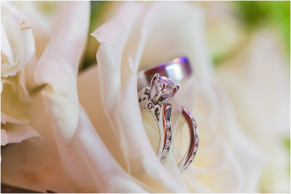 Downtown Spring St. Louis Wedding // https://www.shaneco.com/engagement-wedding/wedding-rings