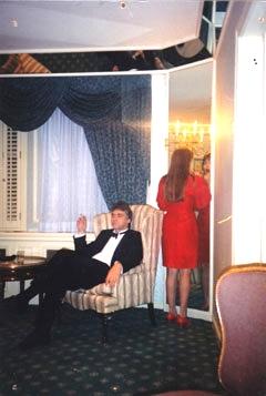 De kleedkamer in 't Waldorf Astoria Hotel in New York in 1992, Jan Voogd (bas) niet op de foto van Jo Krause (dr)