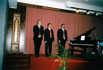Met Ruud Ouwehand (bas) en Joost Kesselaar (dr), Soerabaja 2003