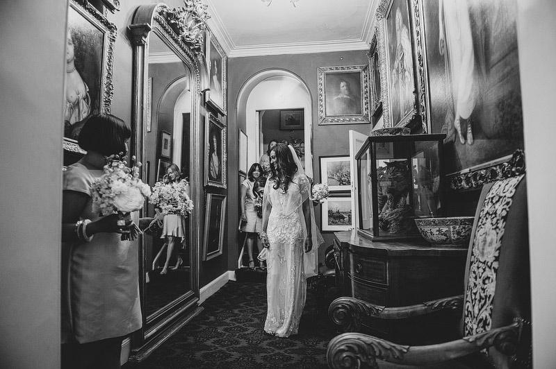 Seema-Neal-Modern-Indian-Wedding-UK33.jpg