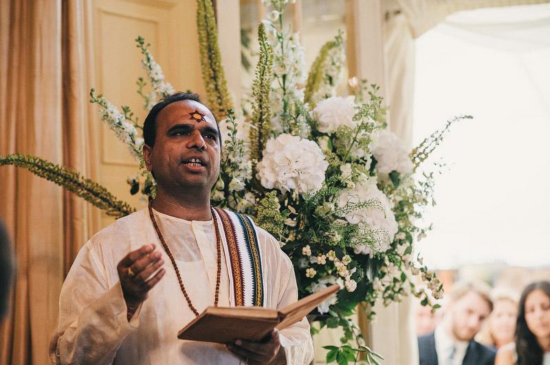 Seema-Neal-Modern-Indian-Wedding-UK47.jpg