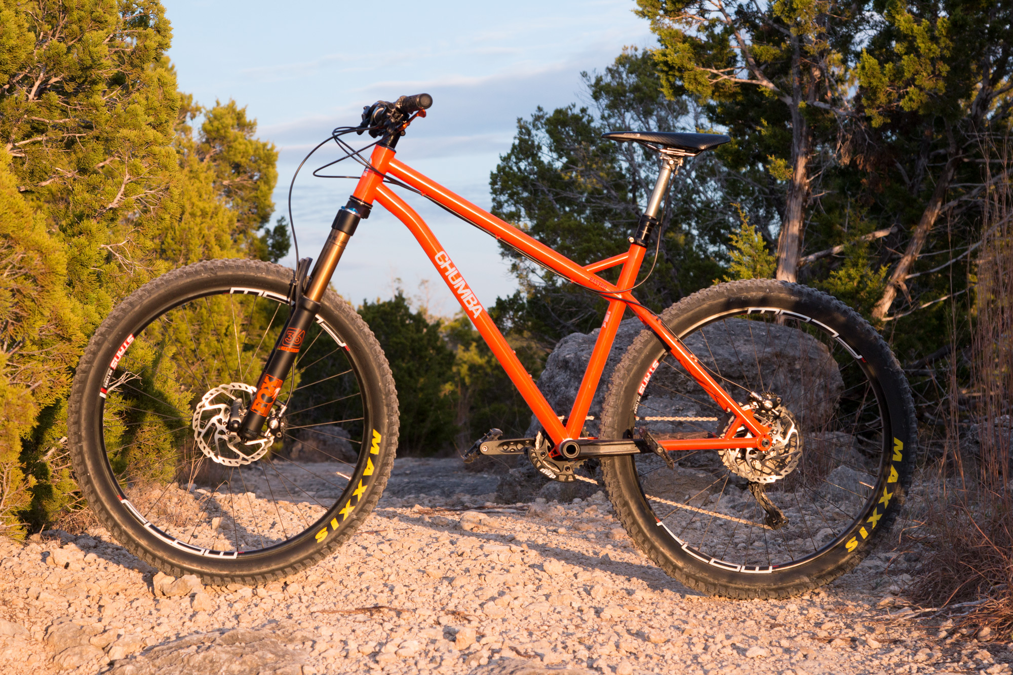 Now through Jan 1st all  RASTRO Enduro and 27plus  orders will receive a free shipping and a second set of Maxxis Rekon 27plus x 28. EXO TR tires! (a $280 value!)