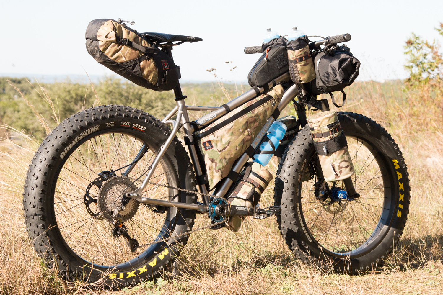 Monida bags can be used like a Rattlesnake Bag on the stem/bar, on fork legs, or on fatbikes under their downtubes & inside main triangles.