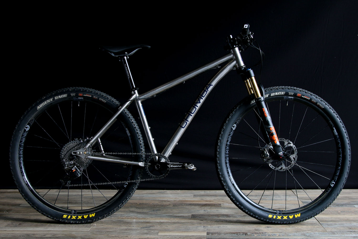 "Stella Titanium - 29er up to 3.0"" or 27plus up to 3.0"""