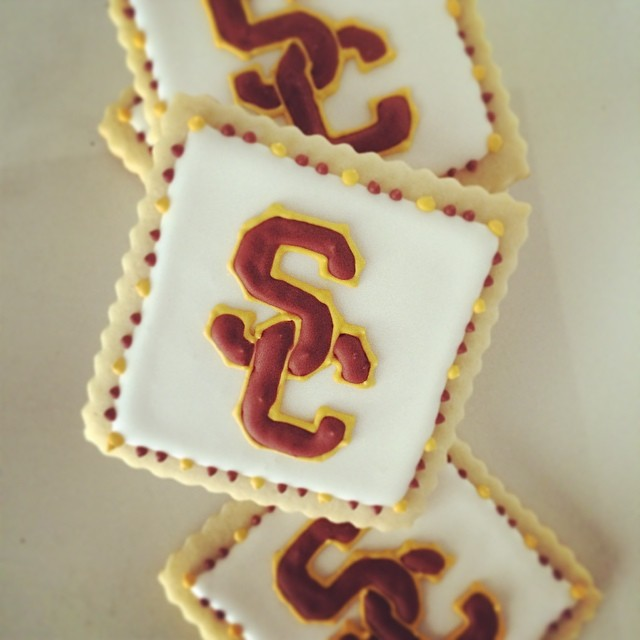 Fight_On___sweets__treats__jgconfections__cookies__sugar__usc__trojans__fighton__yum__nomnom_by_jgconfections.jpg