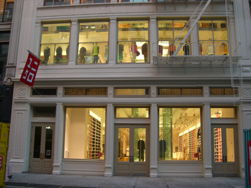 UNIQLO Flagship Soho completed in 2006, Collaboration w/ Wonderwall @ Greenberg Farrow