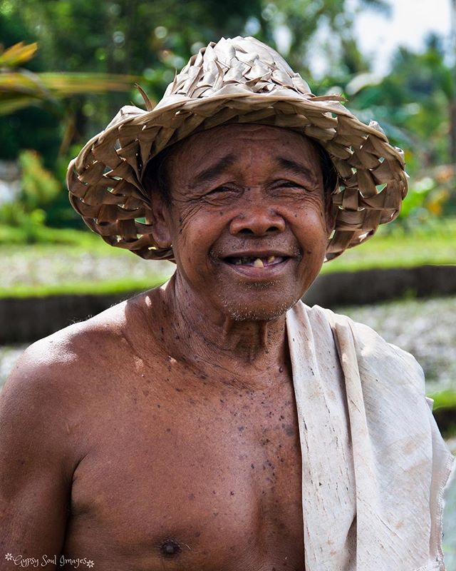 A Friendly Face - Ubud, Bali  We met this friendly farmer after going off-piste on a walk around the rice paddies of Ubud. 💚  #gypsysoulimages