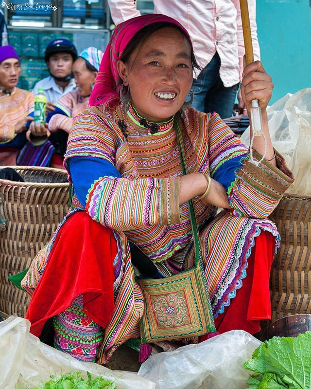Market Seller - Bac Ha, Vietnam  To finish our triptych of vibrant Vietnamese women, we thought we'd share this portrait of a local lady from the Hmong hill tribe selling vegetables at the Bac Ha Market. ❤️ #gypsysoulimages