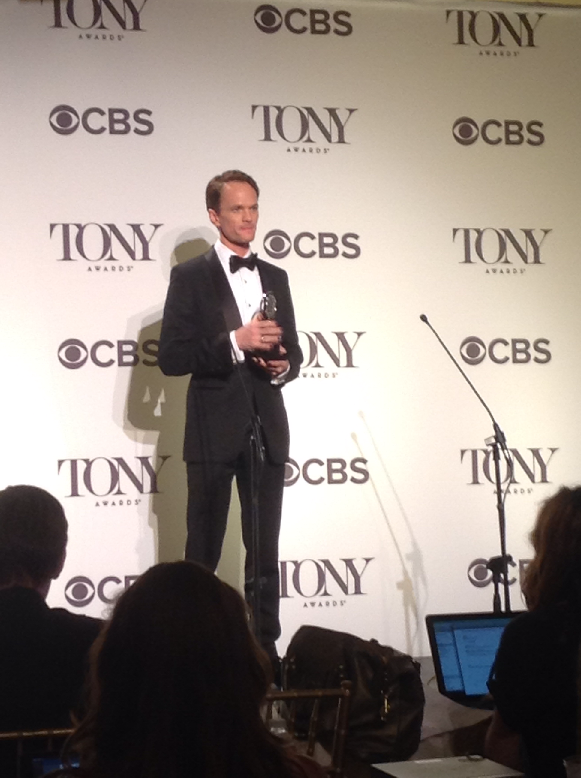 Neil Patrick Harris winning the 2014 Tony Award.