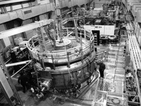 Columbia Nuclear Reactor2.jpg