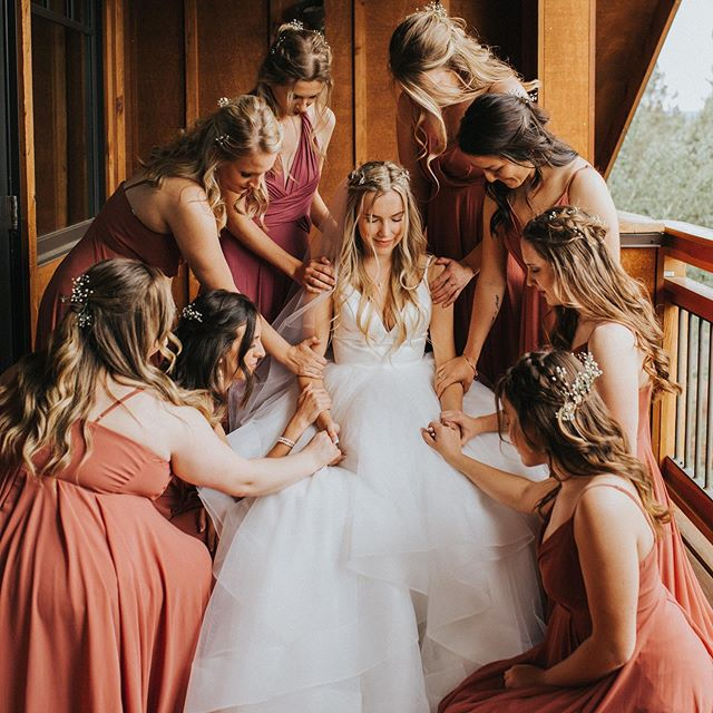 I'm such a fan of these wedding day moments — whether it's prayer, words of affirmation, encouragement, or well wishes — seeing the bride and groom loved on by their people (and each other) is such an honor.