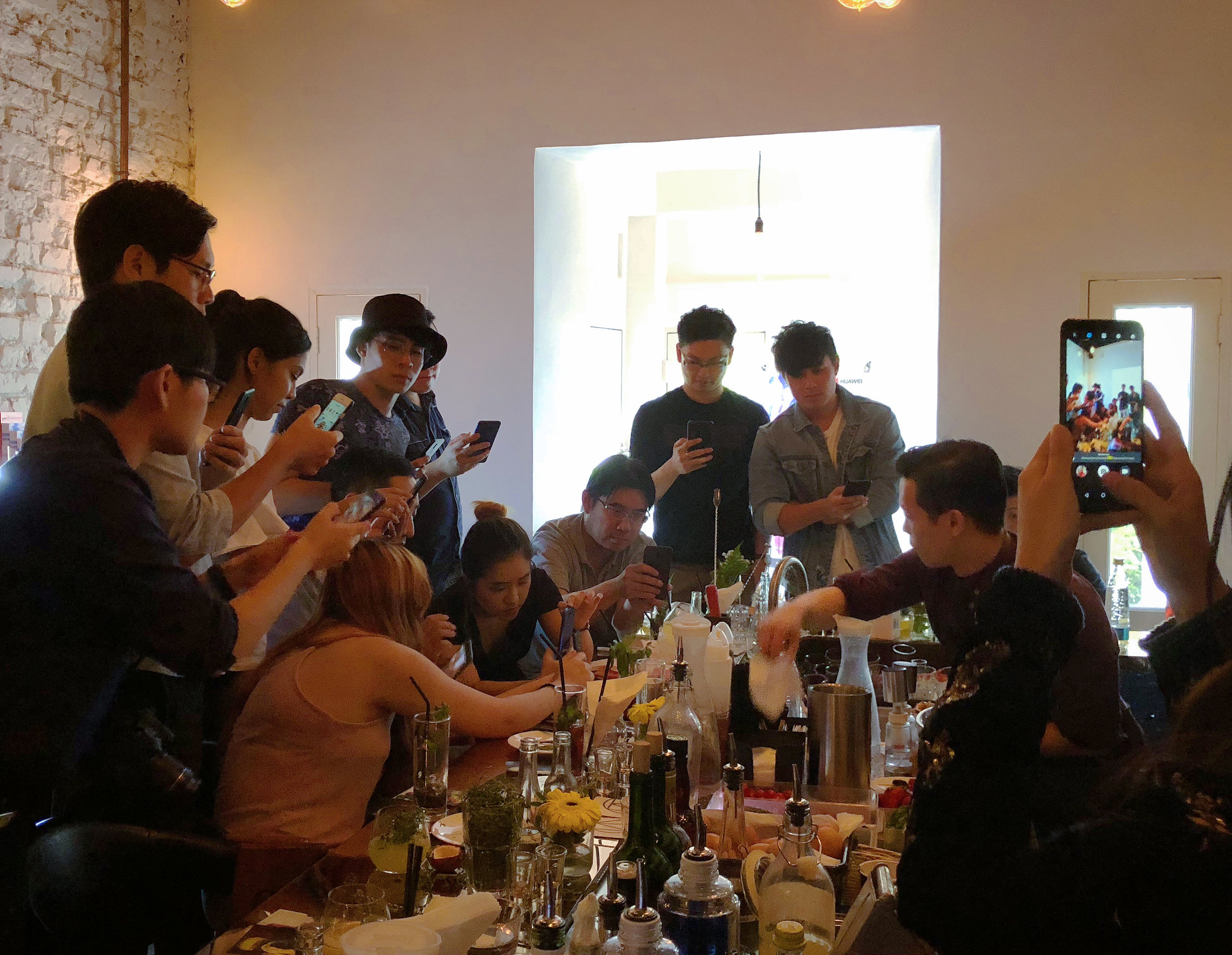 Huawei_Mixology_Workshop-008.jpg