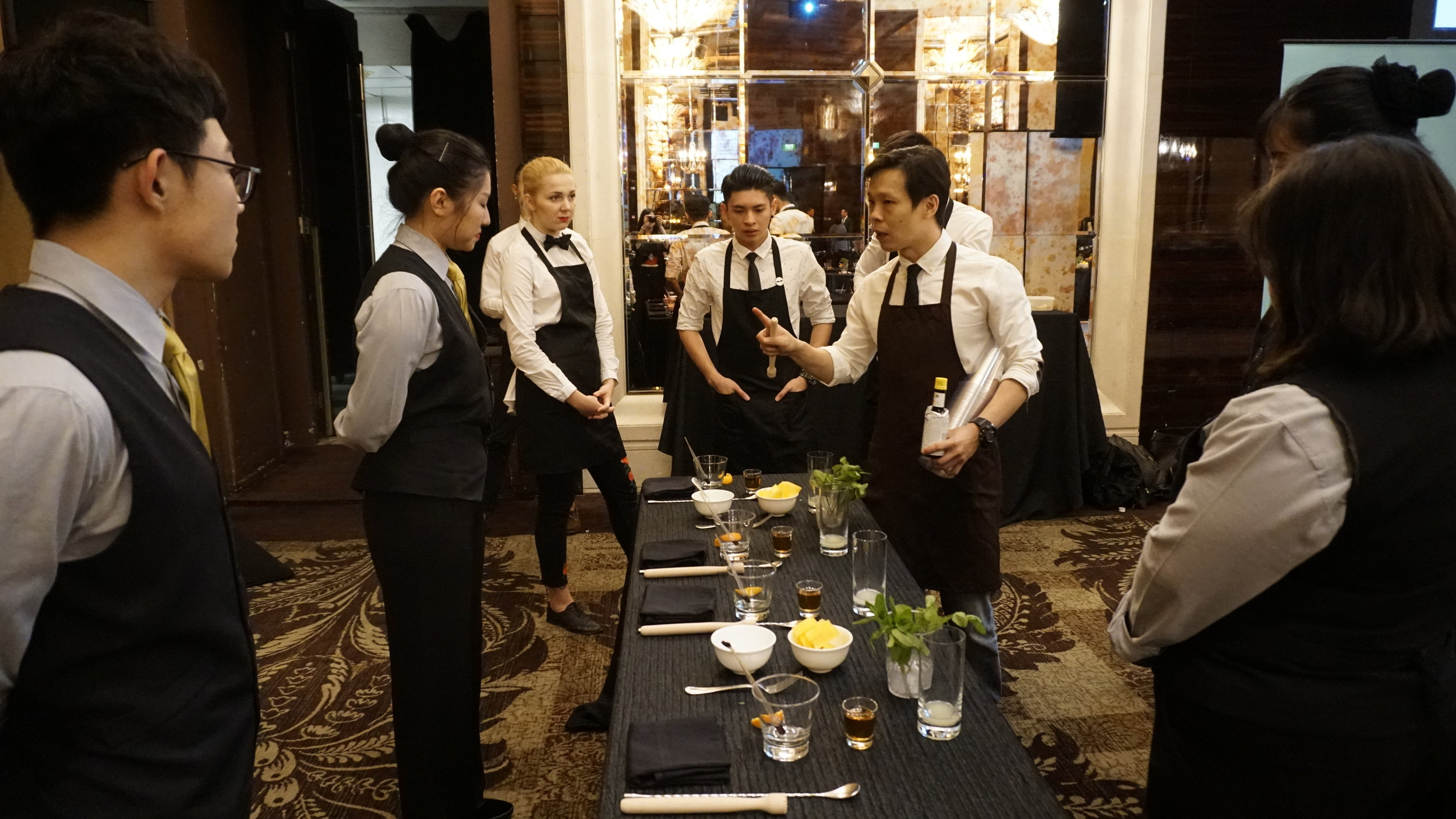 StRegis_Scholar_Mixology_Workshop_0001.JPG
