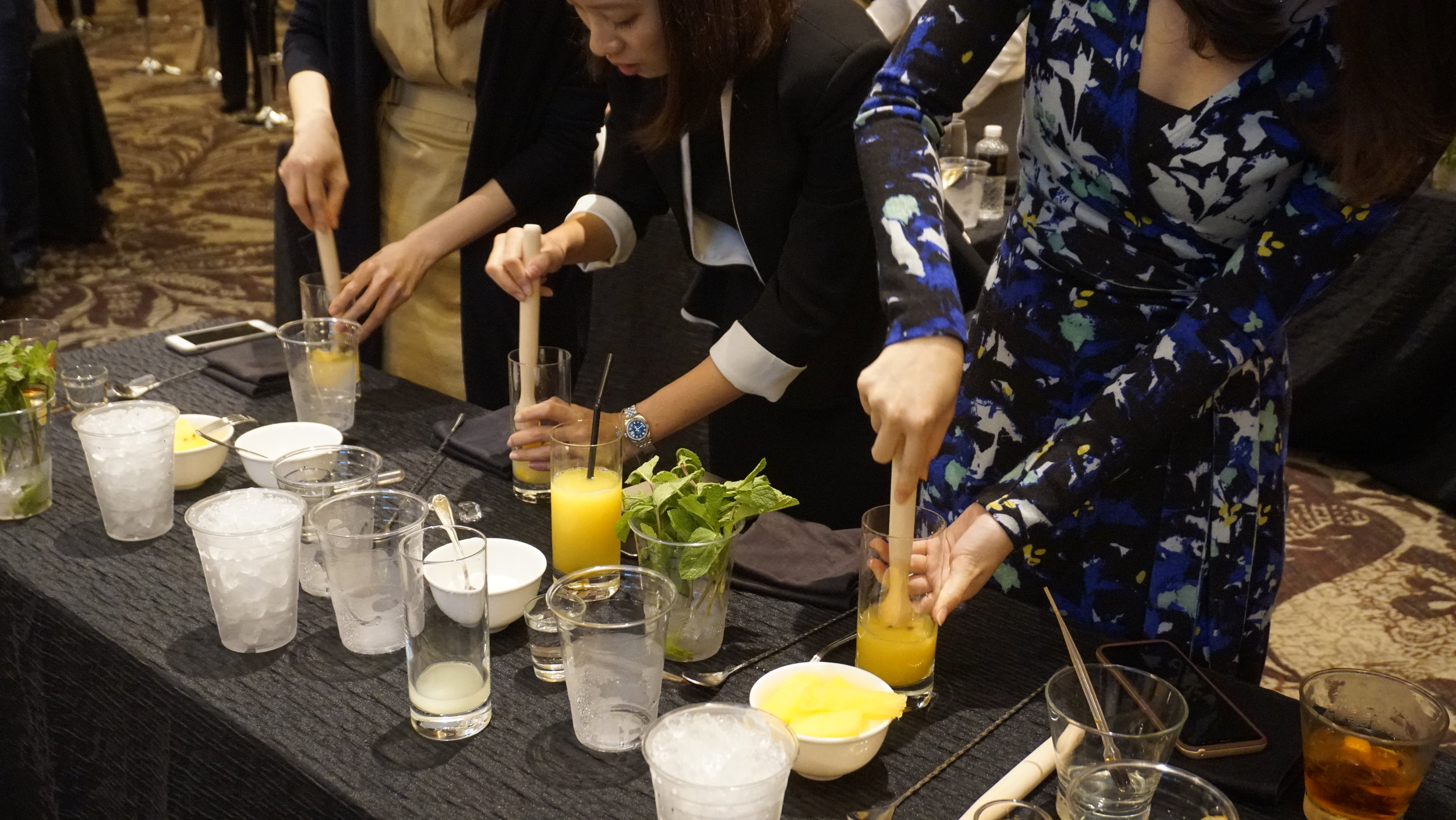 StRegis_Scholar_Mixology_Workshop_0013.JPG