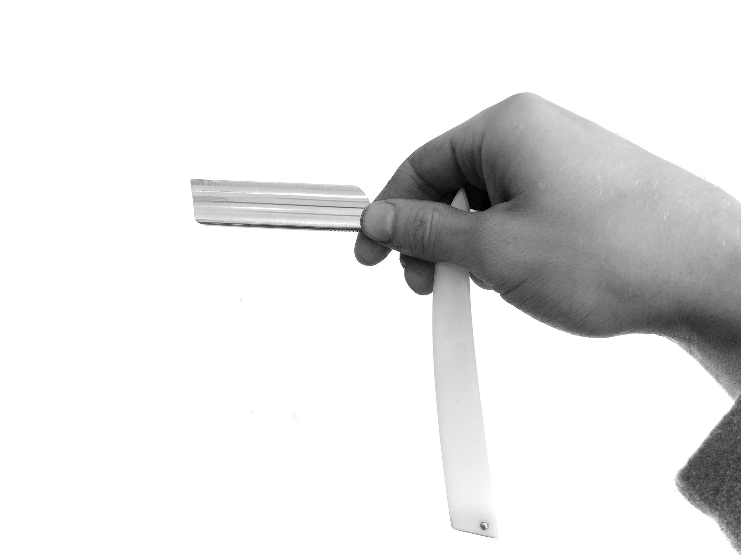 straight razor hand position 2